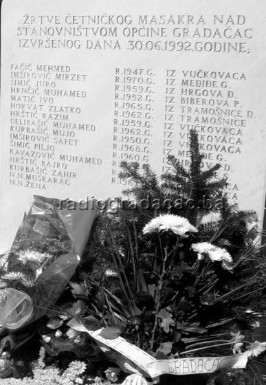 spomen-obiljezje zrtvama masakra