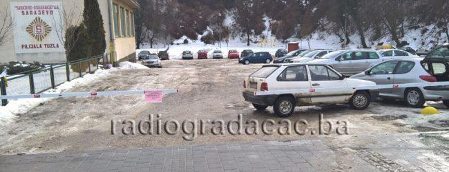 """O.Š. """"Ivan Goran Kovačić"""" daje u zakup parking iza škole"""