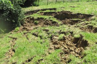 Zbog slijeganja tla ugrožen jedan stambeni objekat u Zelinji Donjoj