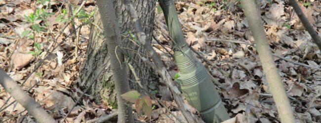Uništena ručna granata pronađena pored puta u Blaževcu