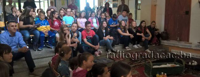 KIKIĆEVI SUSRETI – Druženje pisaca i gradačačkih školaraca