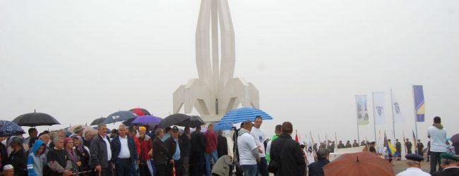 U Gradačcu otvoren spomenik braniteljima Bosne i Hercegovine