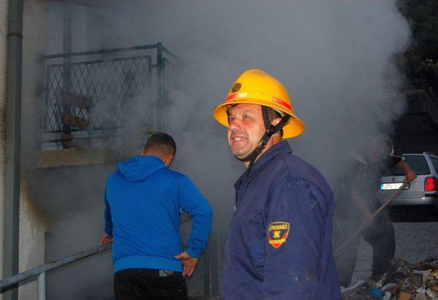 Požar u ulici VI bataljona