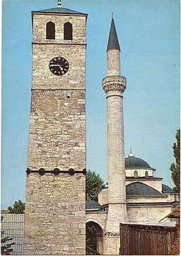 Banjalučka sahat-kula se nalazila u banjalučkoj čaršiji, u neposrednoj blizini Ferhadije džamije i nacionalni je spomenik Bosne i Hercegovine