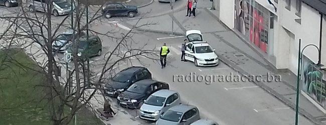 Povrijeđena djevojčica u saobraćajnoj nesreći u centru Gradačca