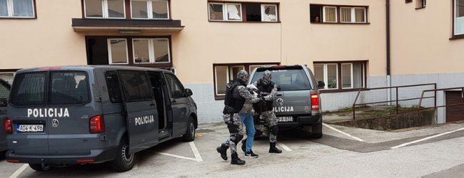 Izvršeni pretresi na šest lokacija na području općina Srebrenik i Gradačac