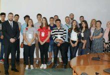Mladi informatičari u državnom Ministarstvu komunikacija i prometa