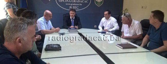 """Potpisan prvi ugovor za izvođenje radova na projektu """"Vodosnabdijevanja Gradačac"""""""