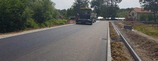 Asfaltiran krak 11 saobraćajnice u Poduzetničkoj zoni