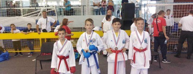 "Karatisti KK ""Tempo"" u Slavonskom Brodu osvoijili šest medalja"
