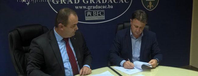 Potpisivanjem ugovora završena sapunica oko finasiranja projekta vodosnabdijevanja Gradačca