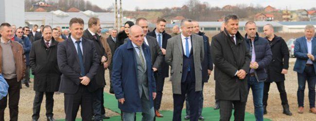 U novoj fabrici u Gradačcu bi sredinom naredne godine trebalo biti otvoreno više od 100 radnih mjesta