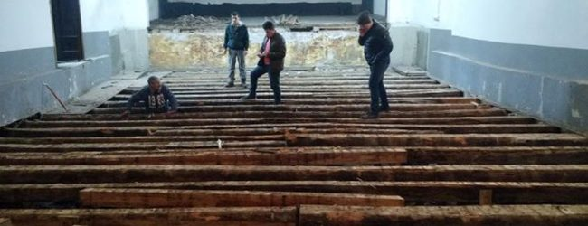 Počela unutrašnja rekonstrukcija gradskog kina