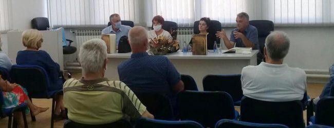 """U Lukavcu promovisana monografija """"Za vječno sjećanje"""""""