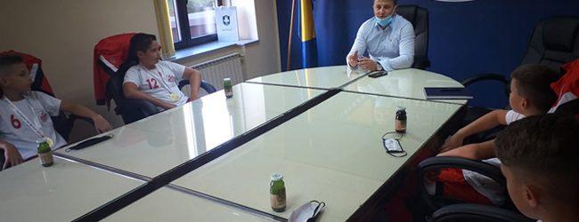Gradonačelnik Dervišagić upriličio prijem za pobjedničku ekipu na Sportskim igrama mladih