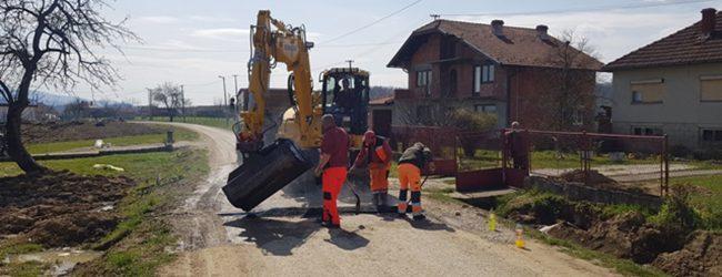 U toku izgradnja novih i rekonstrukcija starih putnih pravaca u nekoliko mjesnih zajednica