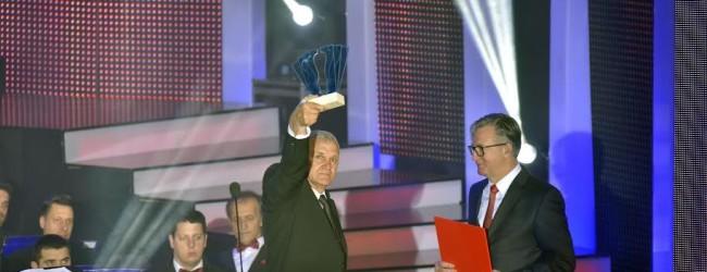 """Večernjakov pečat """"Ponos BiH – pothvat"""" u rukama Enesa Omerovića"""