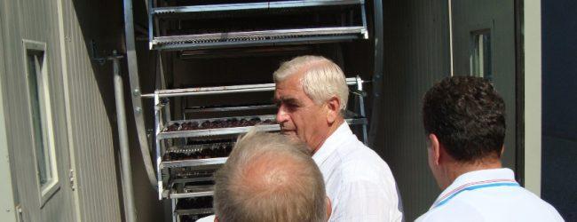 Patentirao prvu mašinu u BiH za vađenje koštica iz suhih šljiva