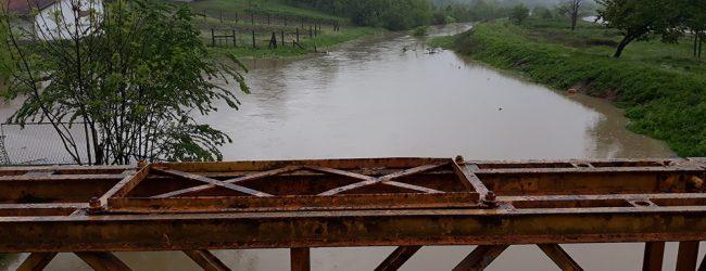 Povećan nivo vode u lateralnom kanalu u Omeragićima