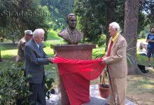 Otkrivena bista Josipu Brozu Titu u gradskom parku