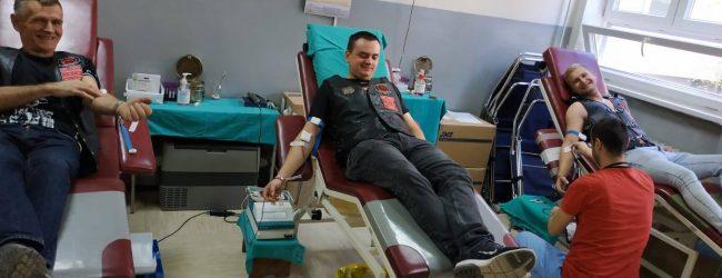 Bajkeri darovali krv