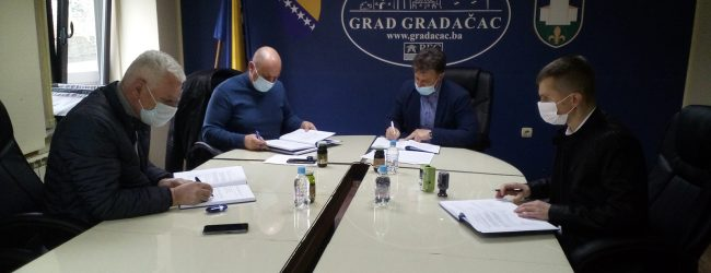 Potpisan ugovor za izgradnju 12 kilometara vodovoda u naselju Rajska