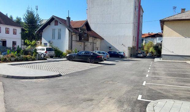 Novih 19 parking mjesta u ulici Titova