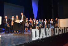 Svjetski dan učitelja: Gradačački profesori Safet Doborac i Safet Kujović dobitnici priznanja i nagrada za životno djelo